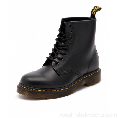 DR MARTEN Women 1460 8 eye boot black smooth leather Dr. Martens trademark air-cushion sole, oil and fat resistant, offers good slip resistance DM10001-BLA-OB PXMANST